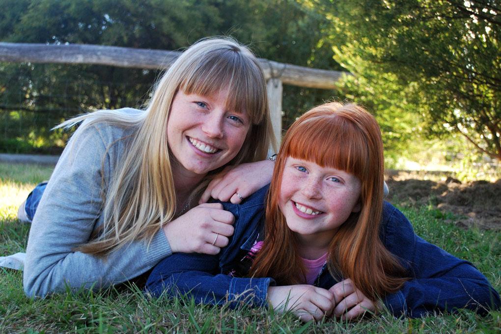 soeurs-sister-photo-famille-portrait-Mathilde-Parquet-photographe-Chambery