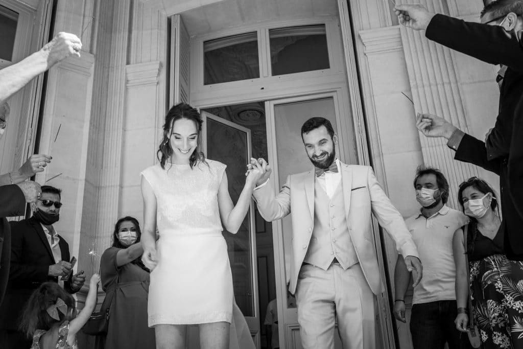 sortie-de-mairie-des-mariés